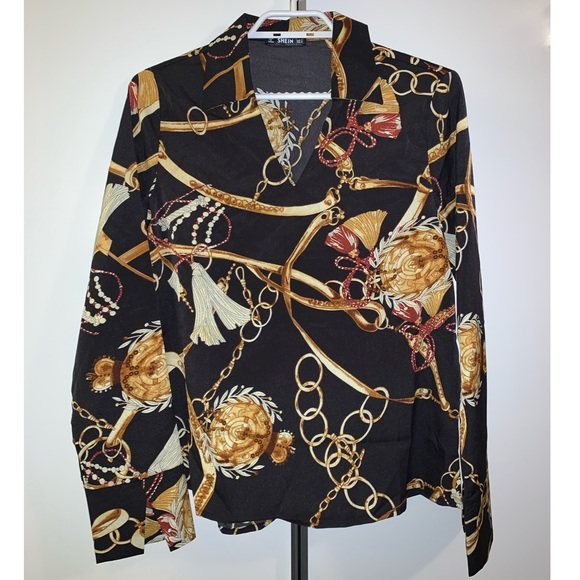 Black blouse with prints